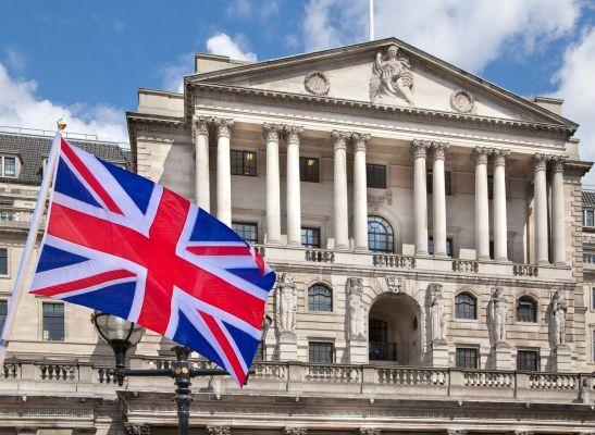 Общество: Банк Англии не решился изменить ключевую процентную ставку