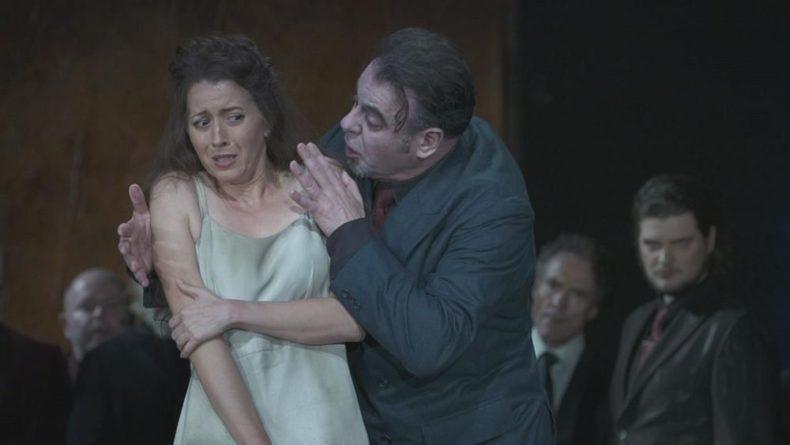 Общество: После долгого карантина в Лондон вернулась опера