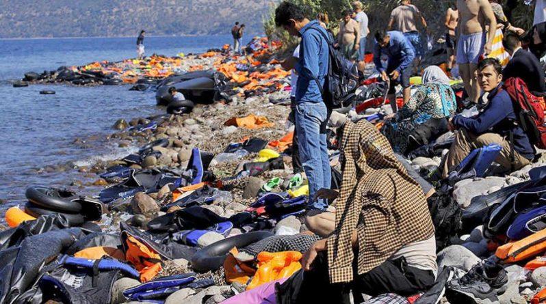 Общество: Лондон и Париж лицемерят в вопросах с беженцами – Захарова