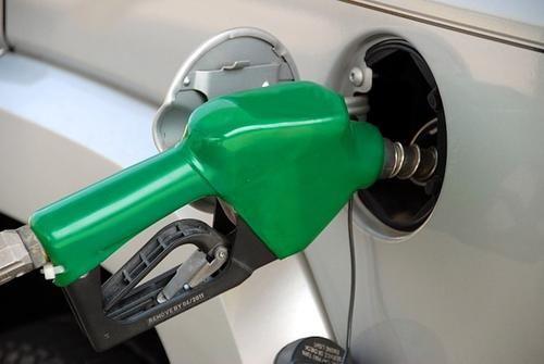 Общество: Жители Британии начали массово скупать бензин после закрытия некоторых АЗС
