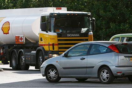 Общество: Великобритания призовет военных на борьбу с дефицитом бензина