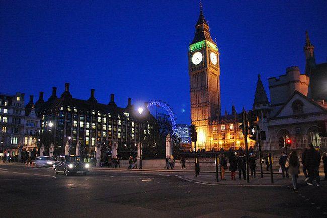 Общество: Великобритания разочаровалась в зеленой энергетике и возвращается к АЭС