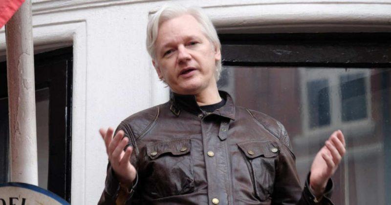 """Общество: Yahoo: ЦРУ планировало """"карикатурное"""" убийство Ассанжа в Лондоне"""