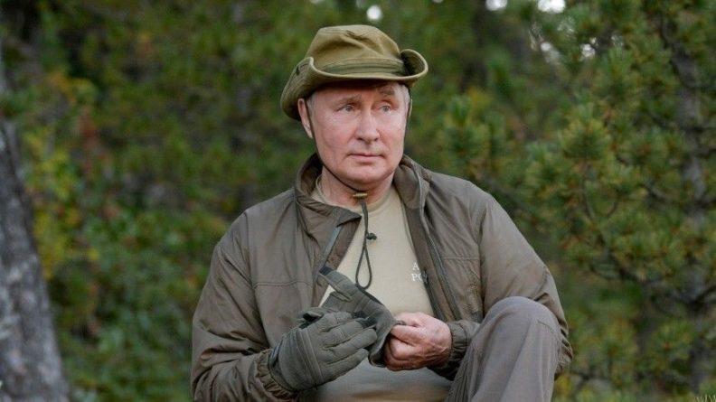 Общество: Британцы сравнили экстремальный отдых Путина в тайге с развлечениями Байдена