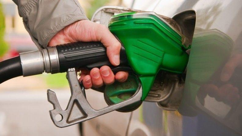 Общество: «Бензиновая паника» в Великобритании спровоцировала километровые очереди у заправок