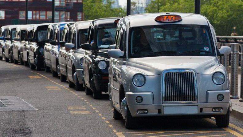 Общество: Заробитчанам на заметку: в Британии не хватает пяти тысяч водителей бензовозов