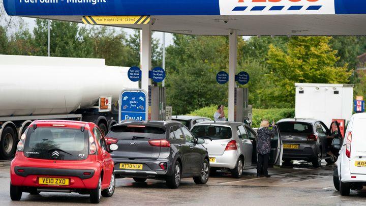 Общество: Дефицит бензина в Британии: рынок придет в норму в ближайшие дни