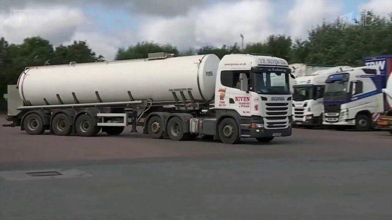 Общество: Британия переживает бензиновый кризис, который затронул практически все сферы