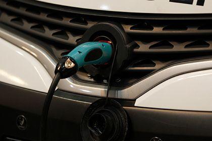 Общество: В Британии колоссальный рост продаж электромобилей