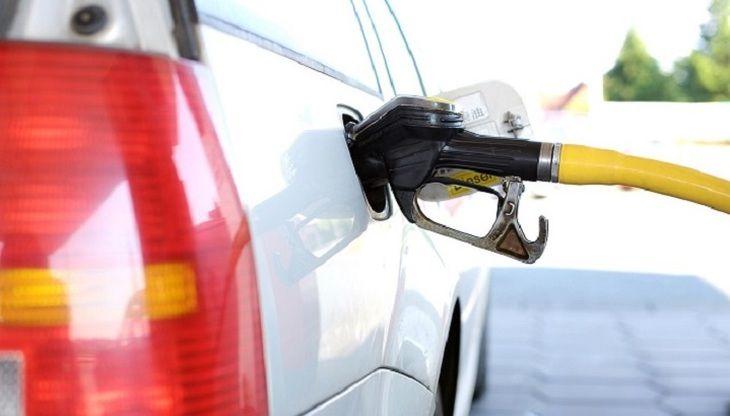 Общество: Право покупать бензин в Великобритании получат представители определенных профессий