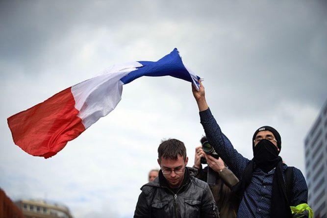 Общество: Франция пересмотрит отношения с Британией