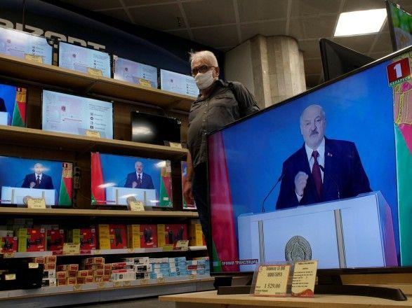"""Общество: Лукашенко исключил вхождение Беларуси """"в состав США, Великобритании или России"""""""