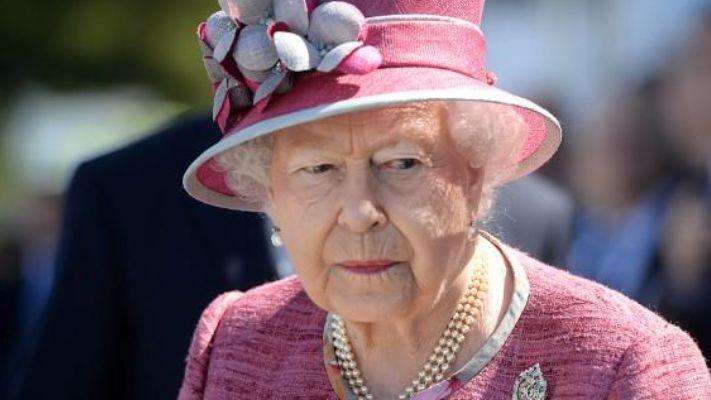 Общество: Барбадос лишил королеву Великобритании Елизавету II статуса правительницы острова