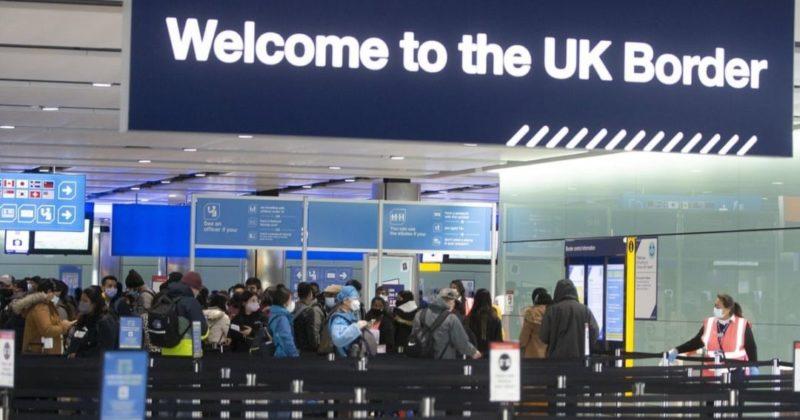 Общество: Последствия Brexit. Британия перестала пускать в страну граждан ЕС без загранпаспортов
