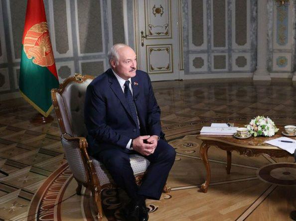 """Общество: Лукашенко заявил, что условия содержания арестованных в Беларуси """"не хуже"""", чем в США и Великобритании"""