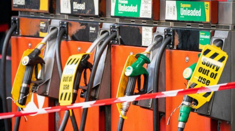 Общество: В Британии задействуют военных водителей из-за топливного кризиса