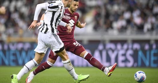 Общество: «Ювентус» обыграл «Торино» в дерби благодаря голу Локателли