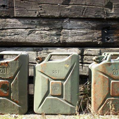 Общество: Военные начали доставку топлива на заправки Великобритании