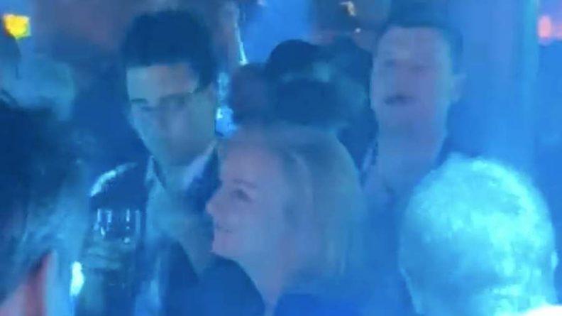 Общество: Главу британского МИД заметили танцующей на ЛГБТ-вечеринке в Манчестере