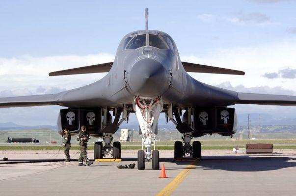 Общество: США перебросили стратегические бомбардировщики в Британию