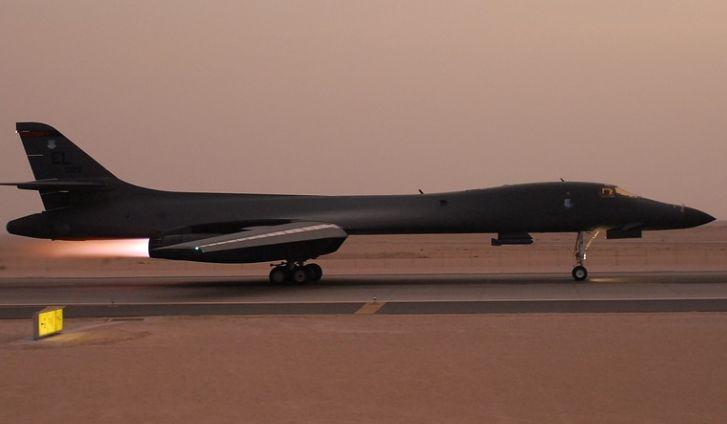 Общество: США перебросили в Великобританию четыре бомбардировщика B-1B