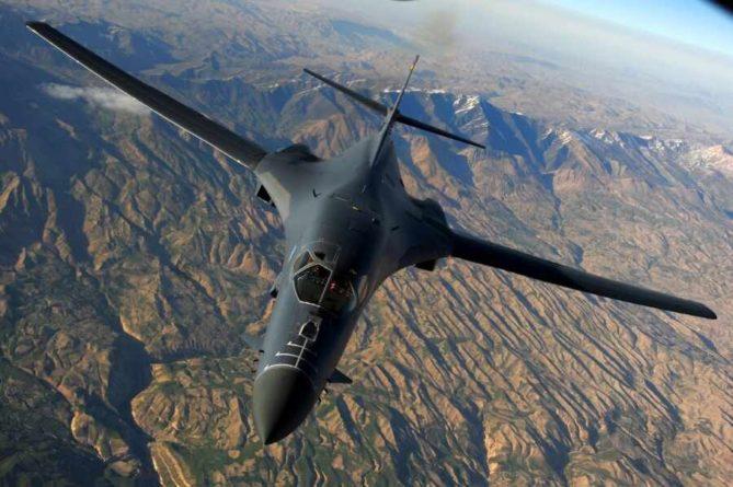 Общество: Американцы перебросили группу бомбардировщиков в Великобританию