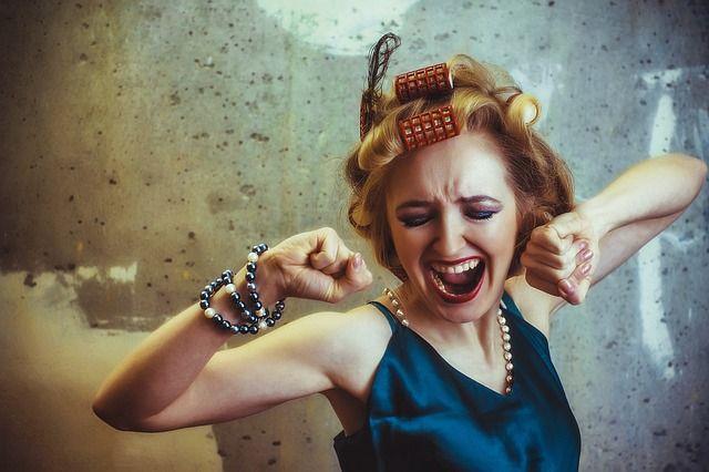 Общество: Жительница Великобритании самостоятельно удалила себе 11 зубов и мира