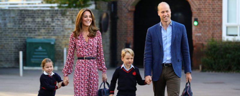 Общество: Королевы Великобритании Елизавета II начала готовить 8-летнего правнука Джорджа к трону