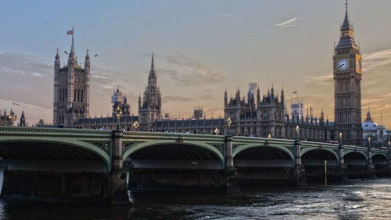 Общество: В Британии ожидается дефицит продуктов питания и туалетной бумаги