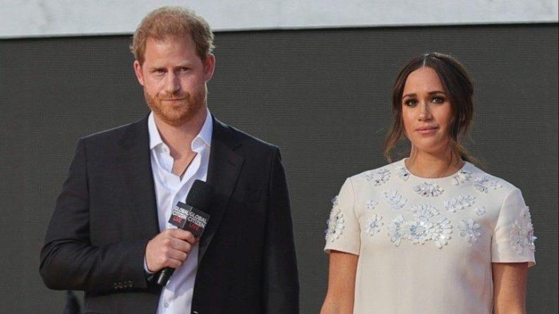 Общество: Покинувшие монаршую семью принц Гарри и Маркл собираются вернуться в Британию