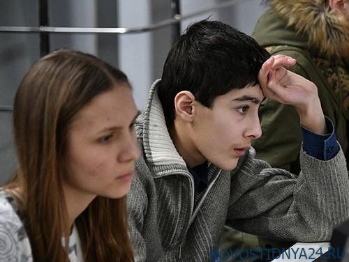 Общество: Лондон запланировал выделить около £1,2 млн на работу с российской молодёжью