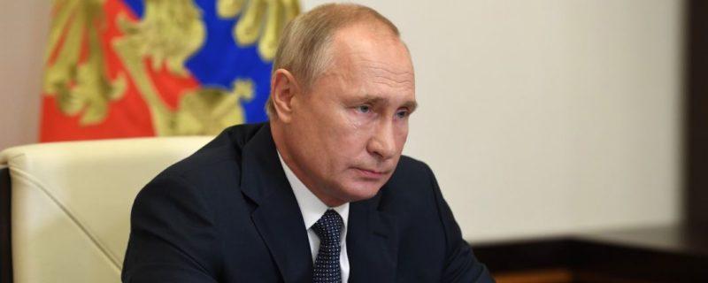 Общество: Британцы обратились к Путину на фоне топливного кризиса в Европе