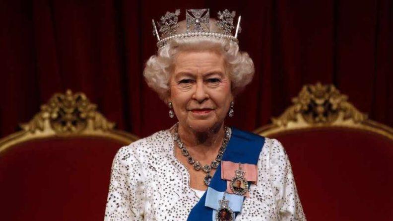 Общество: Королева Великобритании ответила на письмо школьников из Крыма