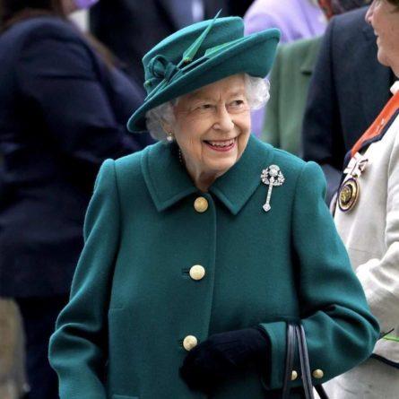 Общество: Королевский двор Великобритании указал Россию в обратном адресе письма школьникам из Крыма