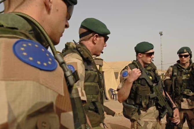 Общество: Британцы высмеяли идею напугать Россию армией ЕС у ее границ